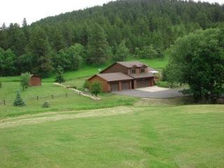 Nice 3 bedroom House in Sturgis with A/C - Sturgis vacation rentals