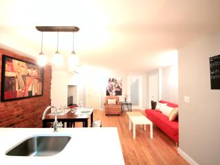 Townhouse 4Bedrooms + ( Sleep 10) - Brooklyn vacation rentals