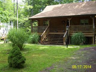 3 bedroom Cabin with Deck in White Haven - White Haven vacation rentals