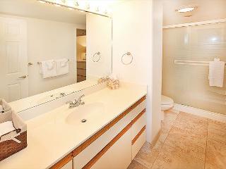 #208 - 1 Bedroom/1 Bath Ocean Front unit on Sugar Beach! - Kihei vacation rentals