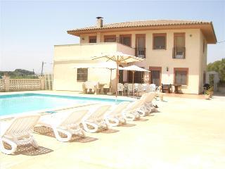 Magical Cal Vimon villa in Costa Dorada, just 13km from the beach! - L'Arboc vacation rentals