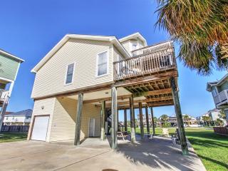 """The Saagar"" - Phenomenal 3BR Galveston House w/Wifi, Beautiful Decor & Outdoor Shower - Walking Distance to the Beach! - Galveston vacation rentals"