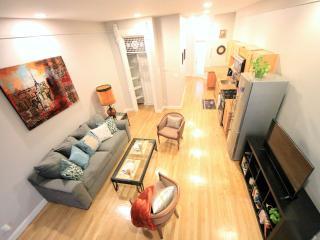 Amazing 3BR + Deck (Sleeps 8) - Brooklyn vacation rentals