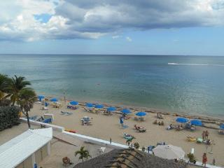 Best Studio Location in the Building with Balcony - Fort Lauderdale vacation rentals