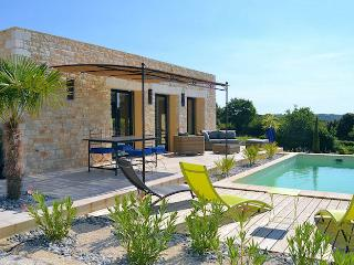 Orgnac L'Aven Ardèche, New villa 6p, private pool in nice surrounding - Orgnac-l'Aven vacation rentals