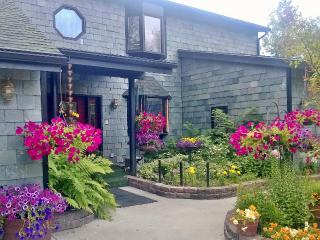 2 bedroom Bed and Breakfast with Deck in Anchorage - Anchorage vacation rentals
