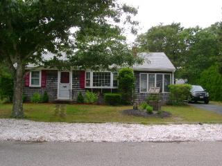ALL AMENITIES IN LOVELY CAPE COD HOME - Dennis Port vacation rentals