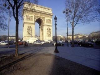 Lovely Paris Apartment for Two:Arc de Triomphe - Levallois-Perret vacation rentals