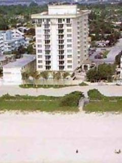 Apartment View - Beautiful Oceanfront Surfside Apartment - Surfside - rentals