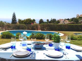 Stunning Villa overlooking Golf and Mediterranean - Artola vacation rentals