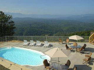 Mountain top cabin with private heated pool - Sevierville vacation rentals