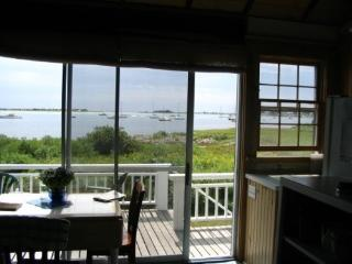 Riverfront cottage one mile from ocean - Westport vacation rentals