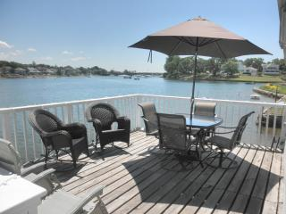 WATERFRONT 3 Bedroom Beach  Home - Onset vacation rentals