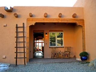 Bright 2 bedroom Vacation Rental in Arroyo Seco - Arroyo Seco vacation rentals