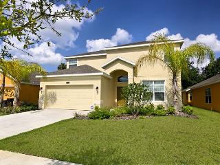 4 Bedroom Home with Pool, Jacuzzi, Games, 5 miles to Disney - Kissimmee vacation rentals