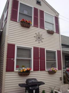 Clamshell Cottage, Camp Ellis Beach, Saco, Maine - Saco vacation rentals