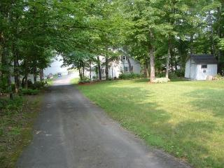Beautiful House with Deck and Internet Access - Portage vacation rentals