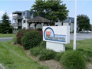 Rehoboth Beach 2 bed 2 bath condo with pool - Rehoboth Beach vacation rentals