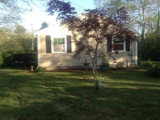 Comfortable 3 bedroom Cottage in North Eastham with Deck - North Eastham vacation rentals