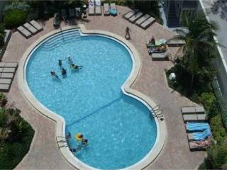 3-6 months SPECIAL, ASK NOW!! Beach at your feet's - Hollywood vacation rentals