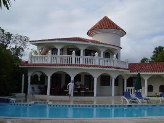 Villa w/ Pool, Chairman's Circle , VIP, Gold Bands - Costambar vacation rentals