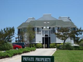 OCEANFRONT SUNRISES Gulfstream Condo 101 - Kill Devil Hills vacation rentals