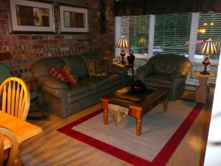 Fox Hill Condo - BEST LOCATION! - Stowe vacation rentals