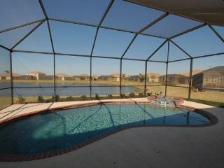 Immaculate 4+ Bed/ 3 Bath in gated golf community - Bradenton vacation rentals