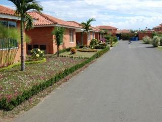 Vacation Villa In Cali - Colombia - Jamundi vacation rentals