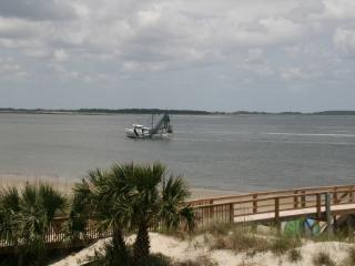 SunKissed with KING bed - Tybee Island vacation rentals