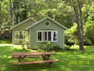 Charming Oceanfront Cottage Sweepn Views Casco Bay - Cape Elizabeth vacation rentals