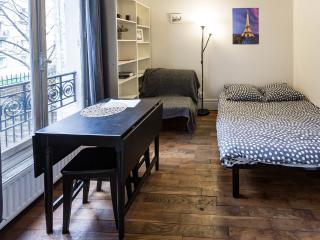 Old Paris Spirit Studio at Montmartre Sacre Coeur - Paris vacation rentals