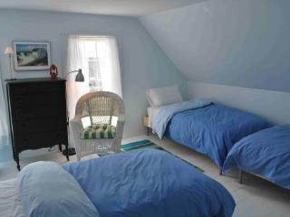 Charming Renovated Farmhouse - Waterfront, 3 acres - Jonesport vacation rentals