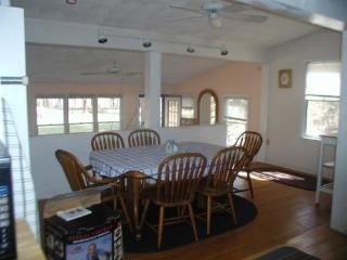Nice 3 bedroom Ogunquit Cottage with Central Heating - Ogunquit vacation rentals