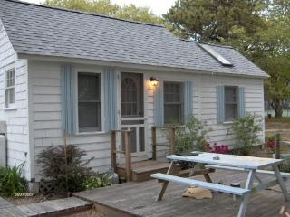 2 bedroom Cottage with Deck in West Yarmouth - West Yarmouth vacation rentals