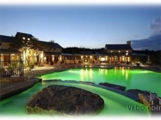 The Hollows Beach Club - Beautiful Lake View Villa at the Hollows! - Jonestown - rentals