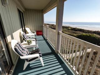 Direct Oceanfront!! April 25-29 ON SALE for $395 - North Myrtle Beach vacation rentals