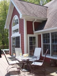 Nice Cottage with Deck and Dishwasher - Moravia vacation rentals
