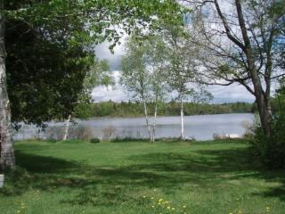 Comfortable camp in quiet area, on the water. - Orient vacation rentals