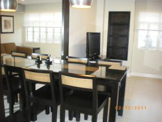2bedroom 2 bathroom condo near Ortigas and Makati - San Juan vacation rentals