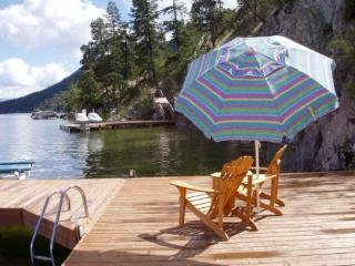 Lakefront Okanagan Vacation Home Dock & Boat lift - Kelowna vacation rentals