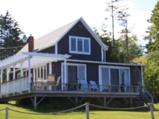 Oceanfront Gray Cottage - Spruce Head, Maine - South Thomaston vacation rentals
