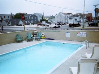 2 br with pool,now renting 2017,beach badges incl - Seaside Heights vacation rentals