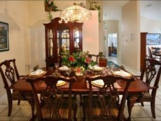 Dinning room - 5BR/4BA villa pool/spa game rm 3 miles to Disney - Four Corners - rentals