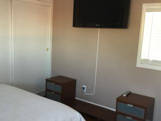 C newly remodeled 2 Bdrm walk distance to beach - Long Beach vacation rentals