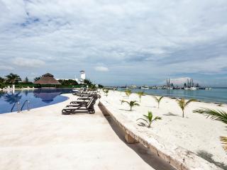 Beautiful condo on the beach at Amara Cancun - Cancun vacation rentals