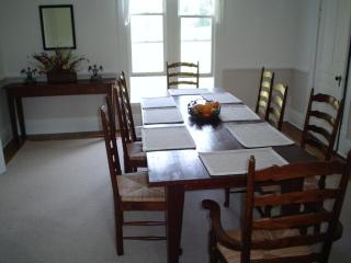 Perfect House with Dishwasher and A/C - Ten Mile vacation rentals