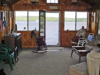 Beautiful 2 bedroom Cottage in Raymond - Raymond vacation rentals