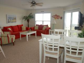 OCEANVIEW TOP FLOOR 3 BEDROOM CONDO WITH POOL - Oak Island vacation rentals