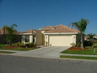Front View - Luxurious Lakeside/Golf View Home with Heated Pool - Bradenton - rentals